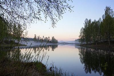 Stiller See am Abend - p235m972887 von KuS