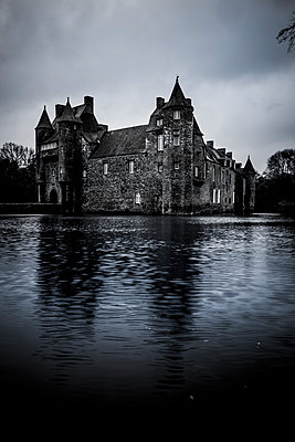 Water Castle - p248m1104497 by BY