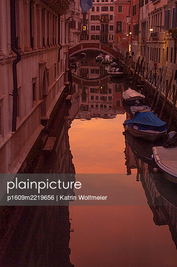 Canal in Venice at night - p1609m2219656 by Katrin Wolfmeier
