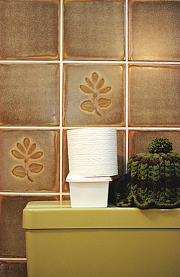 Toilet paper - p0830048 by Thomas Lemmler