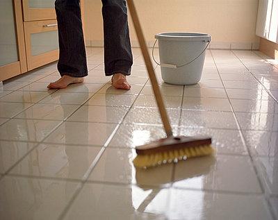 Cleaning up - p3390269 by Sabine Schründer