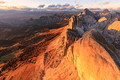Aerial view of Roda Di Vael at sunset, Catinaccio Group , Dolomites, South Tyrol, Italy, Europe - p871m1533915 by Roberto Moiola