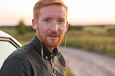 Telefonieren mit dem Headset - p1396m1481187 von Hartmann + Beese