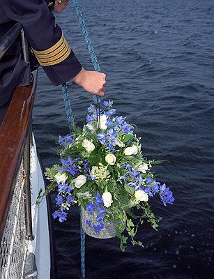 Burial at sea - p1045m787598 by jochenschmadtke