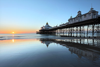 Eastbourne Pier at sunrise, Eastbourne, East Sussex, England, United Kingdom, Europe - p871m1498189 by Lee Frost