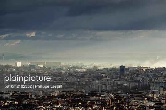 France, Lyon - p910m2182352 by Philippe Lesprit