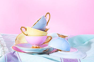 Cups - p1149m2291308 by Yvonne Röder