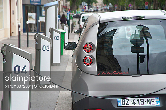 Electric car sharing service Autolib, Paris, France
