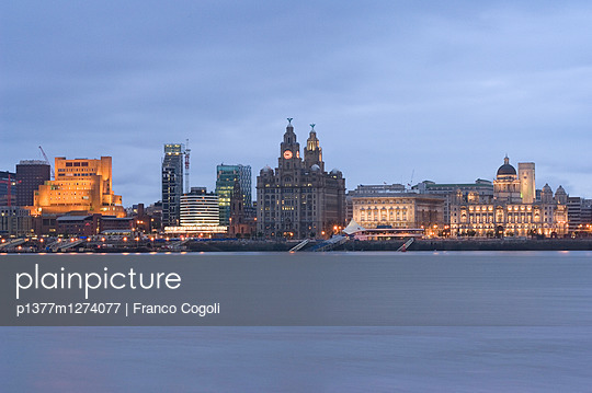 Pier Head, skyline with Three Graces in background - p1377m1274077 by Franco Cogoli