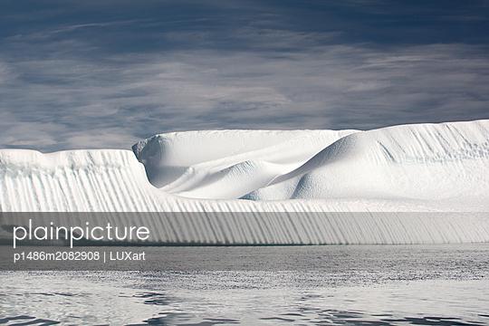 Eisberg am Kap York/Grönland - p1486m2082908 von LUXart