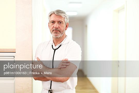 Doctor - p981m1000163 by Franke + Mans