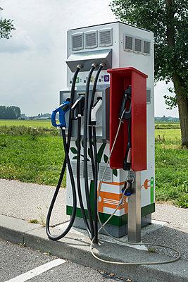 Stromtankstelle - p305m1171498 von Dirk Morla