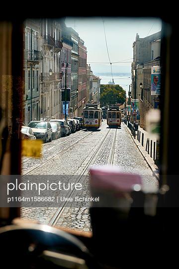 Straßenbahn in Lissabon - p1164m1586682 von Uwe Schinkel
