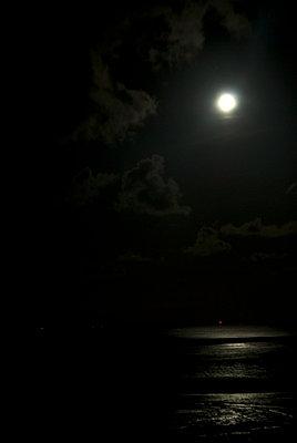 Nacht am Meer - p4510230 von Anja Weber-Decker