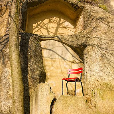 One chair - p8130266 by B.Jaubert