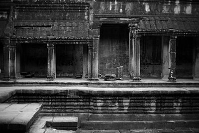 Temple complex in Angkor Wat - p1160m1194647 by Emilie Reynaud