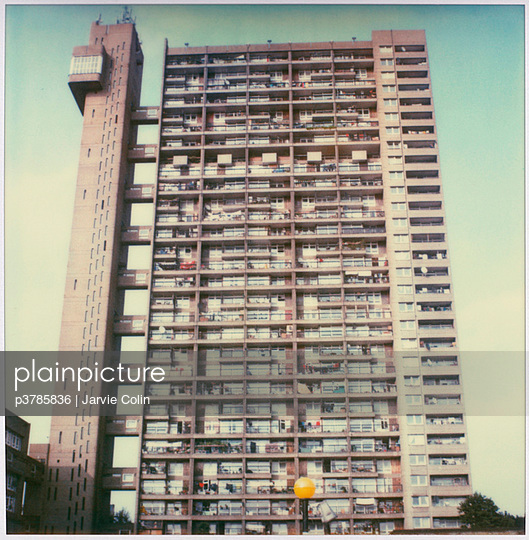 Trellick Tower - p3785836 by Jarvie Colin