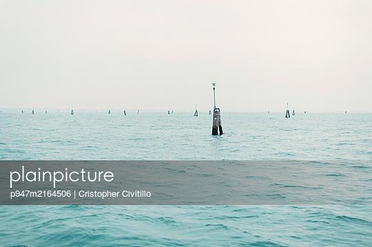 p947m2164506 by Cristopher Civitillo