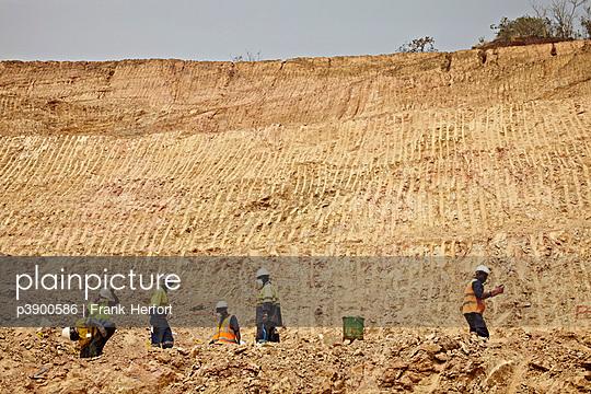 Goldmine - p3900586 von Frank Herfort