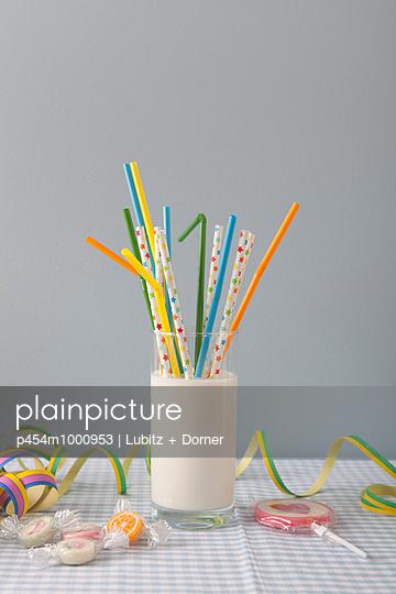 Birthday party - p454m1000953 by Lubitz + Dorner