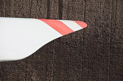 Rotorblatt eines Windrades - p1079m881312 von Ulrich Mertens