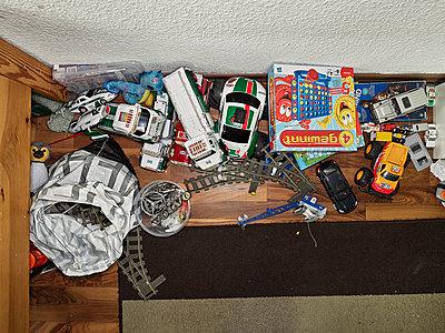 Toys in nursery - p1171m1540446 by SimonPuschmann
