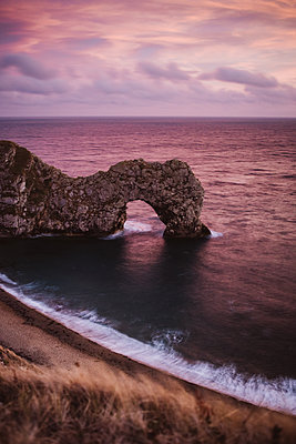 Natural arch, Durdle Door - p1326m2099798 by kemai