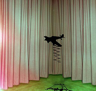 Krieg - p230m889894 von Peter Franck