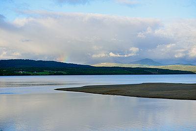Sweden, Gaeddede, Lake Stor-Blasjoen in the evening - p300m2213676 by Biederbick&Rumpf