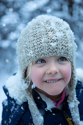 Magic, wonderful snow - p454m2126828 by Lubitz + Dorner