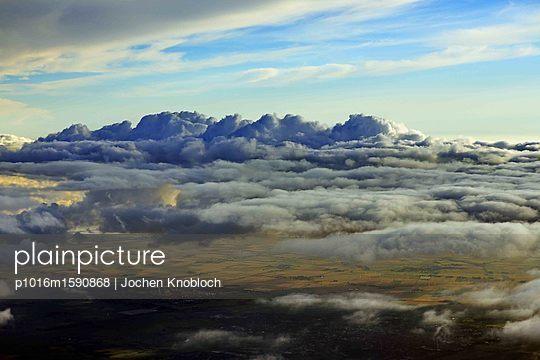 Über den Wolken - p1016m1590868 von Jochen Knobloch