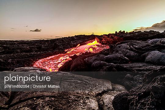 Magma - p741m892054 von Christof Mattes