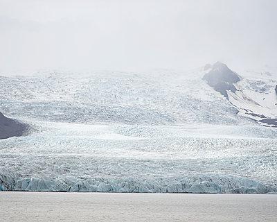 Gletscher in Island - p1124m1060329 von Willing-Holtz