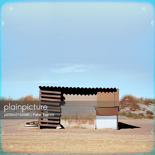 France, Beach Piemanson, Cabin on the beach - p230m2152686 by Peter Franck