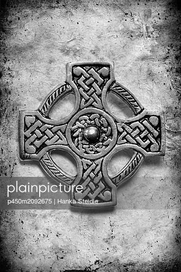 Celtic knot - p450m2092675 by Hanka Steidle