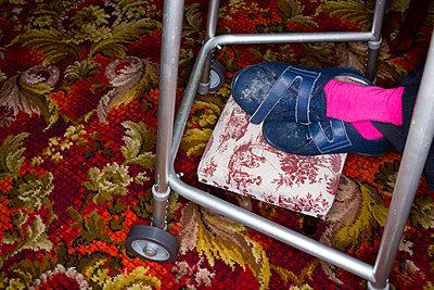 Elderly woman - p1057m1028506 by Stephen Shepherd