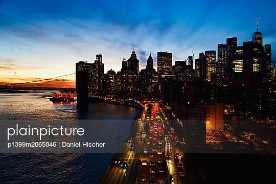Sonnenuntergang in New York - p1399m2065846 von Daniel Hischer