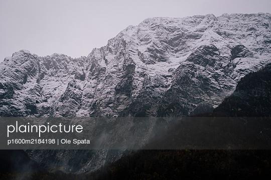 Mountain range, Julian Alps, Slovenia - p1600m2184198 by Ole Spata