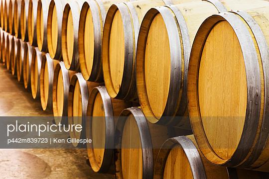 Oak Wine Barrels In A Wine Cellar;Niagara-On-The-Lake Ontario Canada - p442m839723 by Ken Gillespie