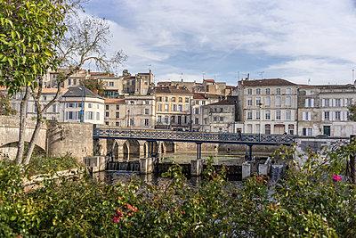 Small bridge - p1402m1497375 by Jerome Paressant