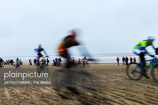 Strandrennen - p417m1108968 von Pat Meise