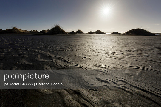 Iceland, East Iceland, Austurland, Sand dunes in Vestrahorn location - p1377m2048656 by Stefano Caccia
