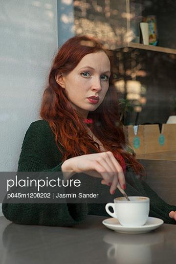 p045m1208202 by Jasmin Sander