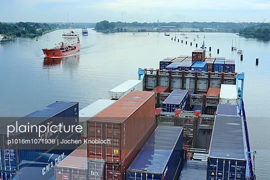 Containerschiff - p1016m1071936 von Jochen Knobloch