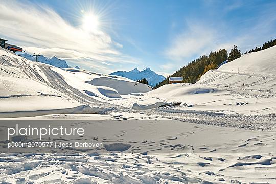 Switzerland, Bern, Hasliberg, winter landscape - p300m2070577 by Jess Derboven