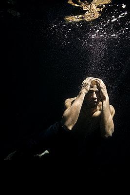 Underwater ballet dancer - p1554m2158944 by Tina Gutierrez