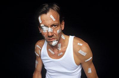 Stark verletzt - p2551648 von Frank Muckenheim