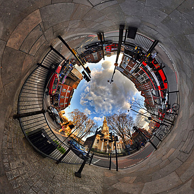 Shoreditch with tunnel effect - p9244762f by Image Source