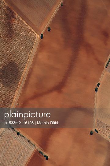 France, Plateau de Valensole - p1533m2116128 by Mathis Rühl