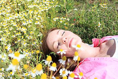 Sonnenbad im Frühling - p0452770 von Jasmin Sander